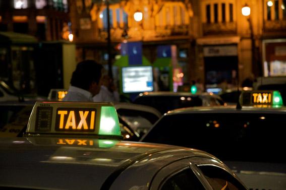 El taxi, excluido del plan de ayudas del Gobierno