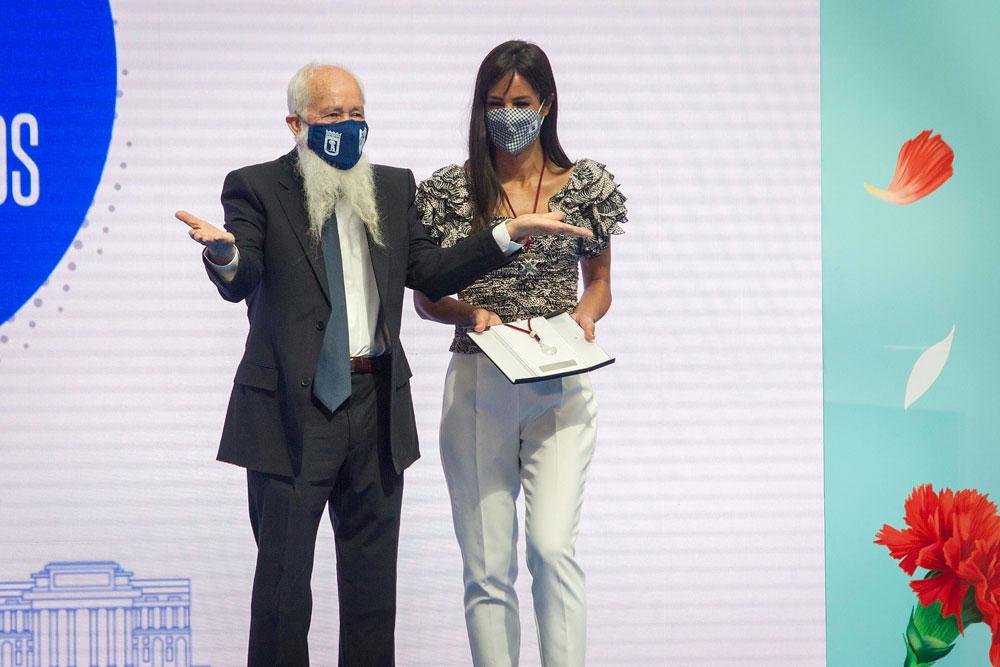 GALERÍA DE IMÁGENES: Entrega de la Medalla de Plata al taxista Matías Martínez Olmo