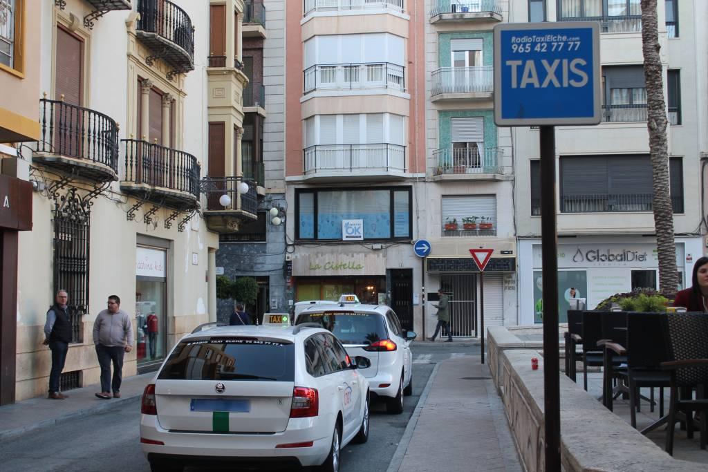 Los taxistas cobran las ayudas Covid